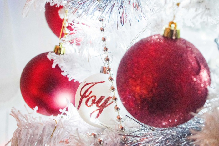 17 Personalised Christmas Ornaments With Names That You Will Treasure For Ever