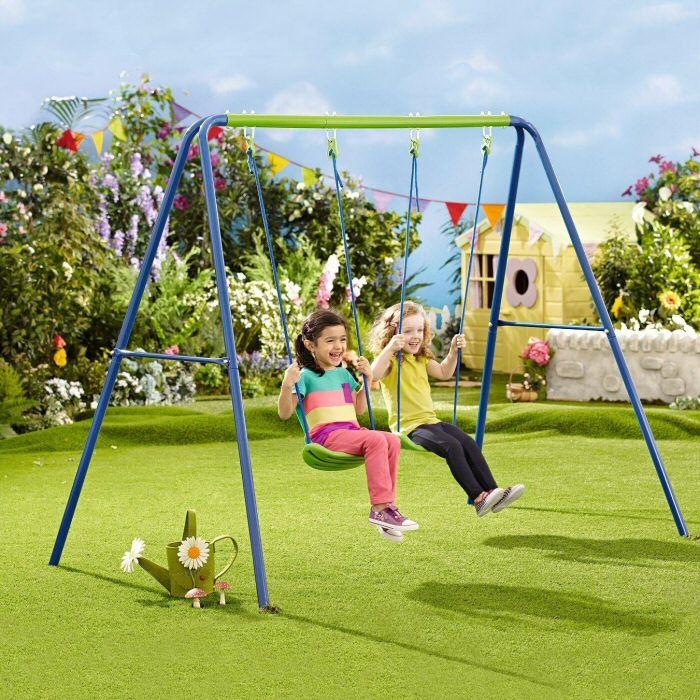 10 Childrens Swings that Will Get Your Kids Begging to Play Outdoors